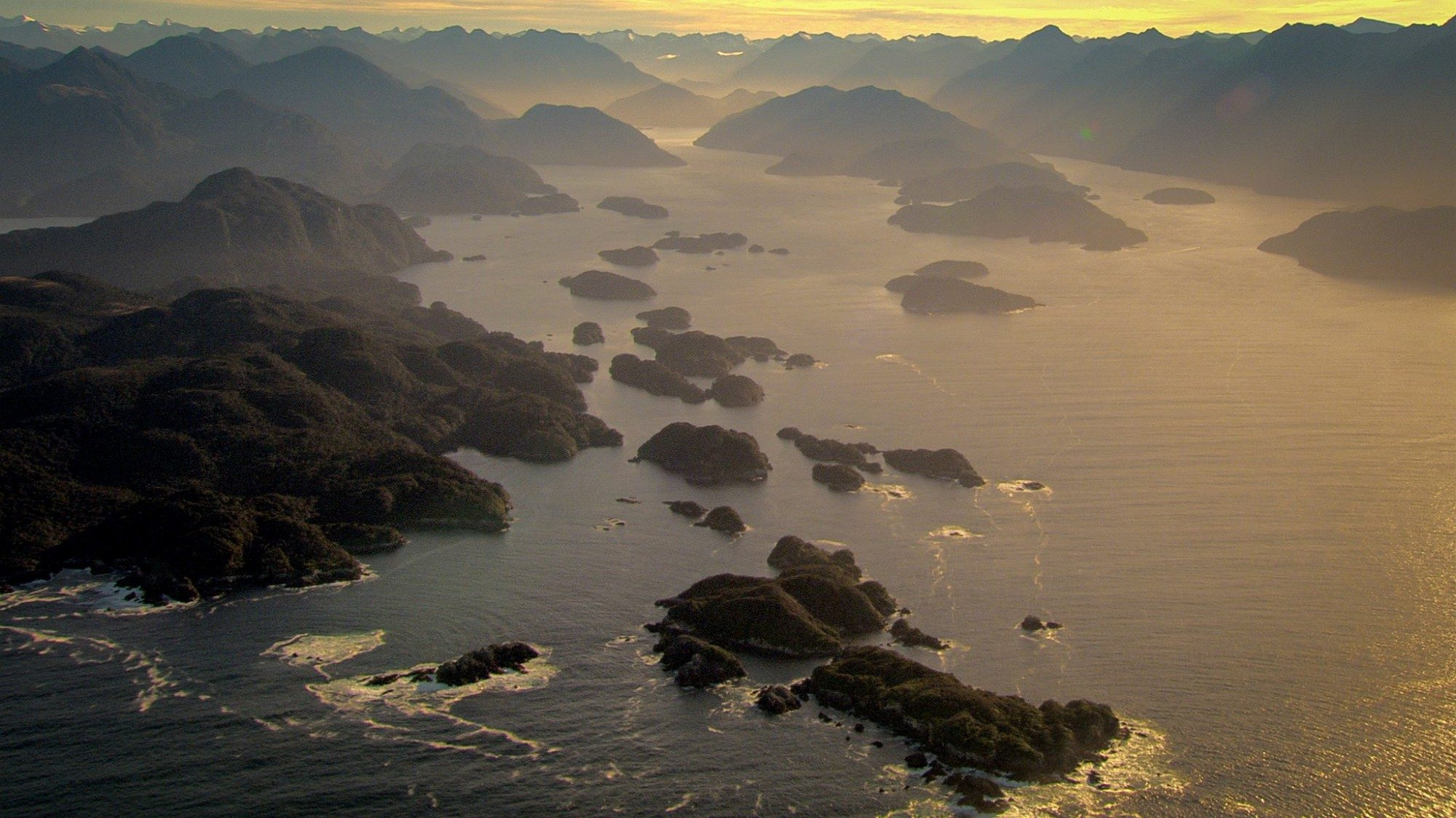 Looking over the sea and into the fiords