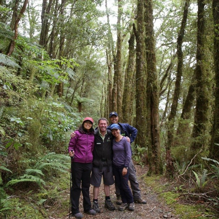 Make a new friend on the Milford Track!